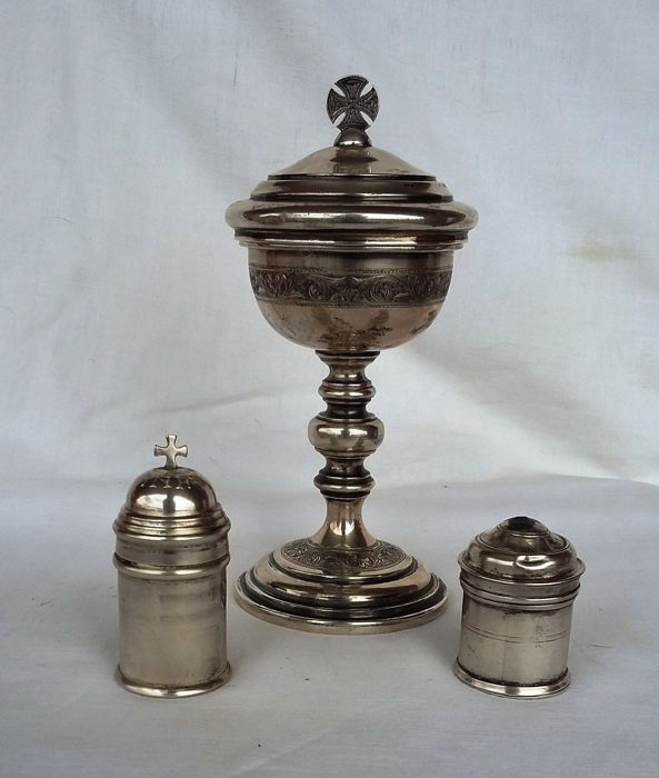 Lot of three Mass items - Ciborium and two bowls - Silver - Early 1900
