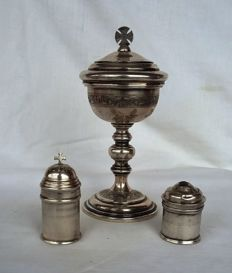 Lot of three mass items - ciborium and two bowls - silver - first half of the 20th century/19th century/ca. 1800
