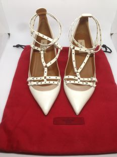 Valentino - Love Latch Rockstud Smooth White Leather Heels Pumps