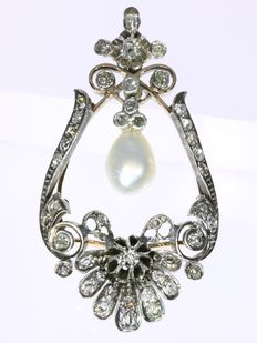 Antique Early-Victorian pendant with 43 diamonds and 1 salt water pearl - anno 1830