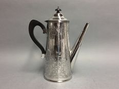 Large silver plated coffeepot with wooden handle and beautiful decoration of flowers, Sheffield/New York, ca 1930