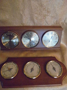 2 weather stations by TCM with wood worked around 1960-1975, a hydrometer, a barometer and a thermometer made of brass.