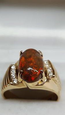 18 kt yellow gold unisex ring set with fire opal and diamond 0.18 ct - size 19.5