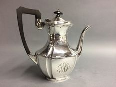 Silver plated coffeepot with classic ribbed decoration and black handle, England, ca 1940