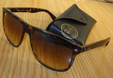 Ray-Ban – Highstreet sunglasses – Unisex