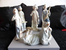 Five large Casades porcelain clowns
