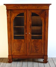 A Restauration mahogany bookcase – the Netherlands – circa 1820/1830
