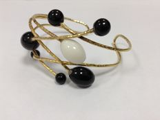 19,6k gold (Portugal) modern gold bracelet with white and black onyx