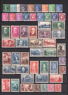 France 1938/1939 - Selection of 84 stamps including complete 1939 Year – Yvert no. 361 to 418 and 419/450