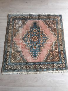 Beautiful Hand-knotted Persian -  100cm x 100cm
