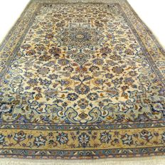 "Keshan – 335 x 206 cm – ""Large, exclusive light Keshan – Persian carpet in beautiful condition""."