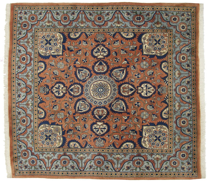 Antique manufacture authentic oriental Persian Veramin/Varamin extra fine rug, hand-knotted. Size: 190 x 202 cm. Era: 1960-1970. With certificate of authenticity from official appraiser (Galleria Farah 1970)