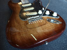 Bach MJBS, stratocaster model Dark Natural Spalted Maple
