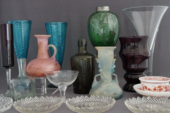 Large collection of 17 pieces antique glassware - 19th and 20th century Europe