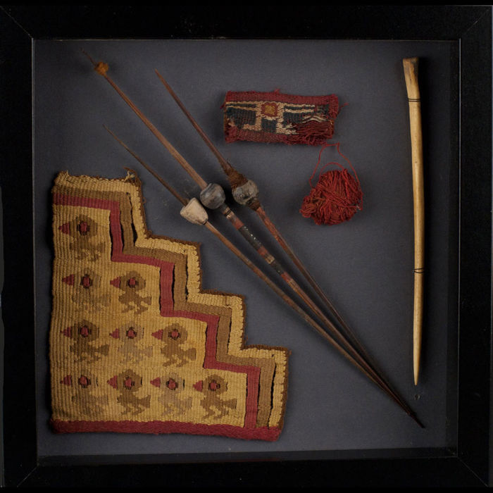 A  fine collection of Chancay textiles and weaving tools - 12x13 cm