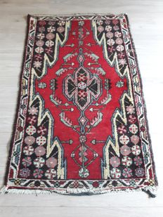 Very Beautiful Hand-knotted Persian- Mazleghan 128cm x 80cm