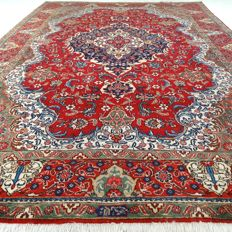 "Signed Tabriz - 327 x 230 cm - ""XL eye-catcher - Persian carpet in beautiful condition"""