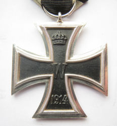 "German original medal: Iron cross 2nd class from rare maker ""S"" Heinrich Schneider - WW1."