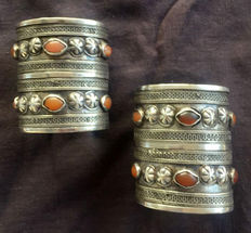 Pair of bracelets from Afghanistan in silver and carnelians - Turkmen Ersari ethnic group