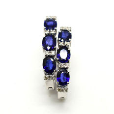 Gold earrings with sapphires and brilliant cut diamonds totalling 2.35 ct ***no reserve***