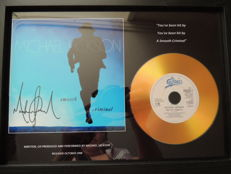 Stunning -Michael Jackson - Signed Pre Printed Picture Gold Disc - Smooth Criminal -