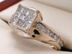 Certified gold diamond entourage ring with 0.75 ct. Ring size 15.30 mm