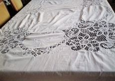 Antique and beautiful rectangular tablecloth embroidered by hand with lace of Bruges