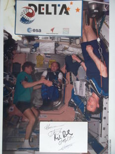 Five signatures from the ISS crew, photo, sticker