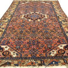 "Semi-antique Hamadan – 190 x 127 cm – ""Authentic Persian carpet in beautiful, worn condition"". –"