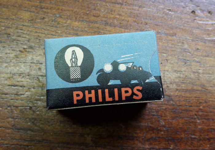 philips new old stock oldtimer philips car lights in nice original packaging 21 lights 3. Black Bedroom Furniture Sets. Home Design Ideas