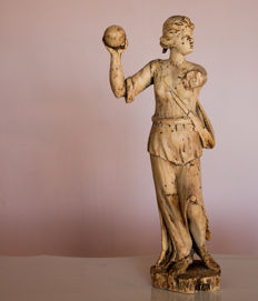 Classic wooden statue of a lady with a ball - Italy - ca 1825