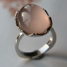 Solid Sterling silver beautiful ring with very large rosé Quarts in cabochon cut approx. 19.76Ct. (19,4x14,6mm)