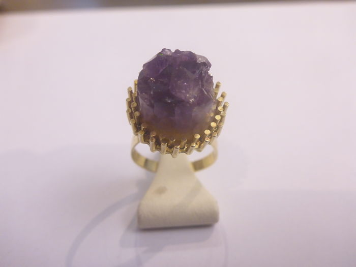 14 kt gold ring with rough amethyst – Size 16.5