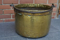 Cauldron in yellow copper - France - 19th century