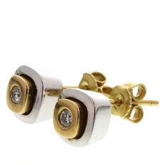 14 kt bi-colour ear studs with diamond, size 8.0 x 7.6 mm