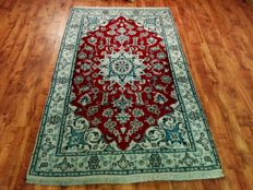 Beautiful & Original Iran Persian Nain 205x125 cm hand knotted Top Condition & Quality