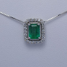 Pendant, Emerald 18K gold,  diamonds, chain length 45 cm