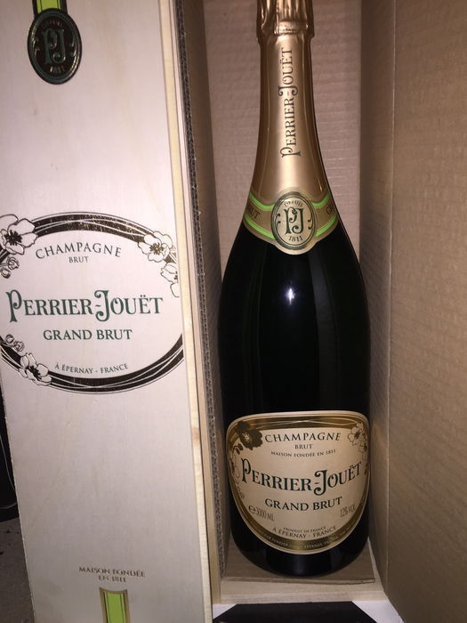 Perrier Jouet Grand Brut NV - 1 jeroboam (3L) Wooden Box