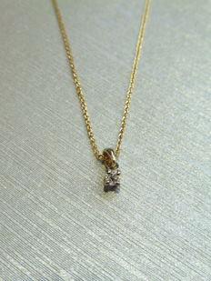 18k Gold Diamond Pendant and Necklace - 0.10 ct
