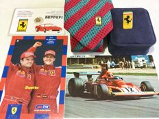 Ferrari lot logo + silk tie 1980 + Nike Lauda postcard 1974 + golden prancing horse card + GP Monaco 2001 postcard with Schumacher and Barrichello, limited edition