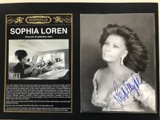 Sophia Loren - Original autograph on black and white photography - 2000