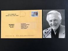 Kirk Douglas - Original autograph on black and white photography - 1997