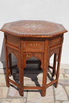 Table in exotic wood and bone - Goa 1930