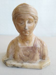 Ancient Alabaster statue of Beatrice Portinari, made in the Florentine manufacture and hand-finished - Italy - second half of the 19th century