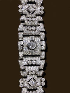 Art Deco bracelet in 18 kt white gold, with diamonds totalling 12 ct, made in '40s France