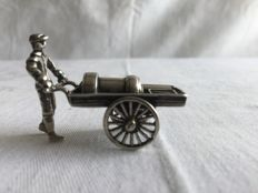 Silver market merchant with handcart - in very good condition