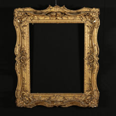 Large sized wood frame with pierced carvings - Italy - second half of the 19th century