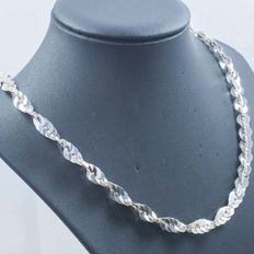 925/1000 silver necklace with Italian design – Length: 45 cm – Weight: 23.90 g.