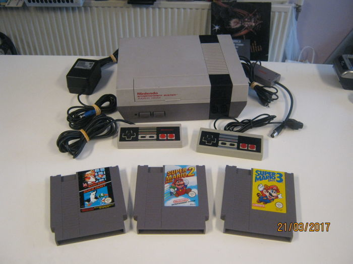 Nintendo Nes incl 3 mario games. Mario 1,2 and 3