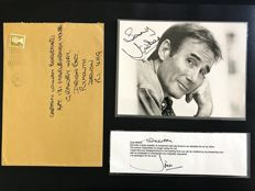 Jim Dale - Original autograph with dedication on b/w photograph with envelope - 1997